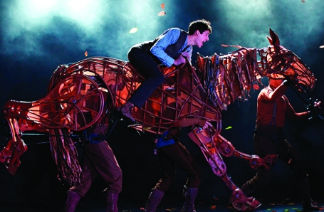 Jonathan Cobb cast in WAR HORSE 2019 Tour